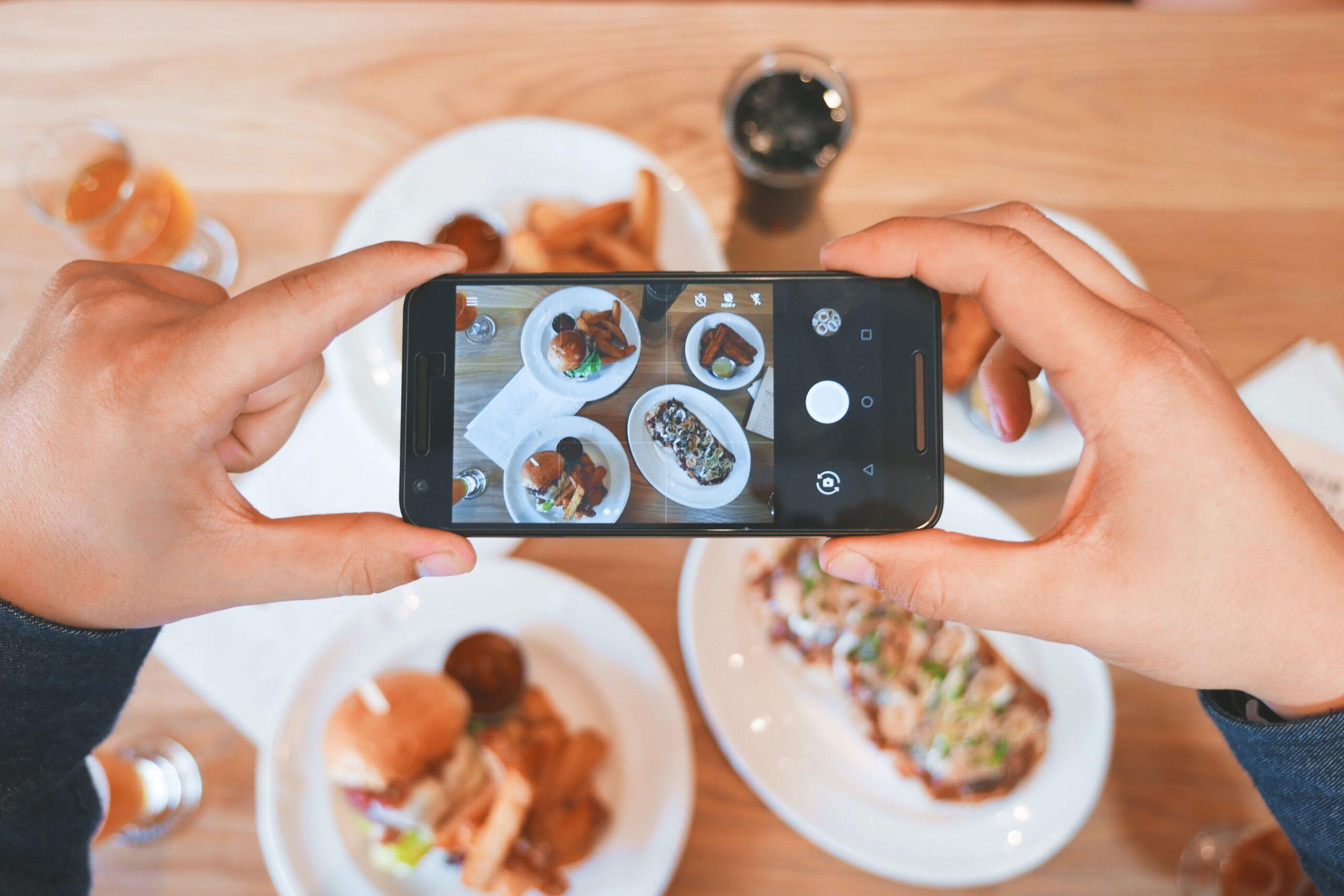 Instagram-Advantages-and-Disadvantages