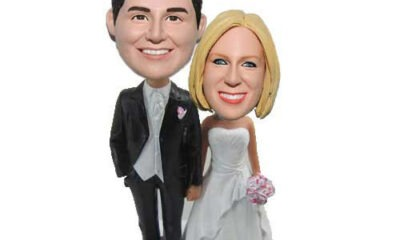 Make Your Relationship Memorable With These 3 Best Couple Bobbleheads